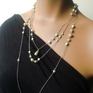 3-Tier Chain and Pearly Bead Necklace in Sage